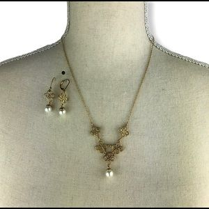 Gold & pearl Necklace Pierced Earings Set Costume